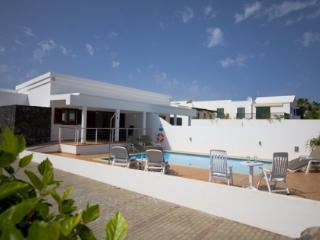 4 bedroom Villa in Playa Blanca, Canary Islands, Lanzarote, Canary Islands : ref 2016495, Yaiza