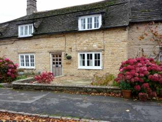 The Green, Rutland holiday cottage, near Rutland Water for cycling and walking.