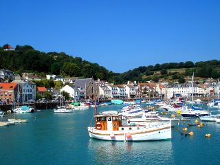 Beautiful St Aubin's Village & Bay, St. Aubin