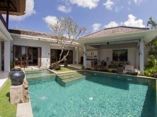 Villa Seratus 1 bedroom with 50m pool! #2, Ungasan