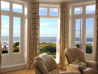 Stunning Sea views! 2 bed / 2 bath balcony apartment with gated private parking
