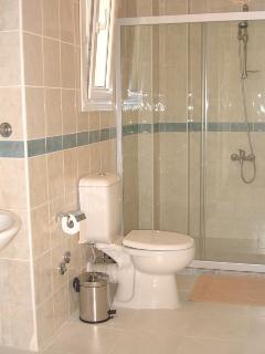 One of the en-suite bathrooms that all the bedrooms have