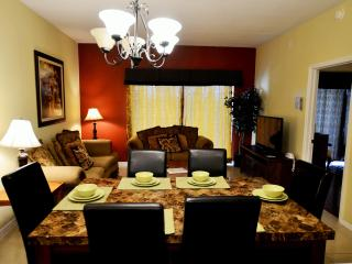 2 miles to Disney,1650 sqft 4BR/3BA big Condo from $75/nt