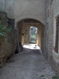 typical alley of Corenno Plinio