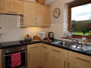 The pretty kitchen in Puddings Barn