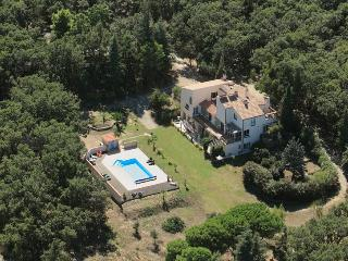 Mas Lamon set in 10 acres of woodland just 5kms from the Mediterranean beaches