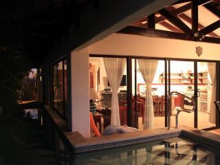 Villa Concha Fina - Costa Rican beach Villa, Playa Hermosa