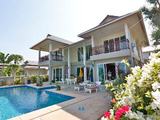 Luxury 3 Bedroom Pool Villa