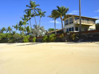 Beachfront Home, Ocean Views From Every Room (legal & licensed for short stays)