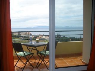 Vista Mar - Splendid Views of Canico de Baixo Area