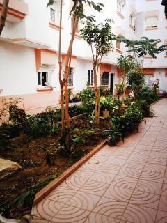 Jardin de la propriété avec accés libre pour les résidents