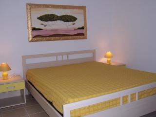 Appartamento giallo limone, Marina di Novaglie