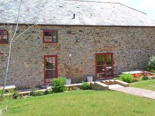 LAKESIDE, character cottage, fishing lake, rural location, near Crediton, Ref