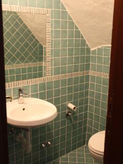SECOND BATHROOM - BAGNO DI SERVIZIO