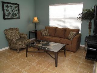 Just 1 mile from Disney spacious 2bd condo