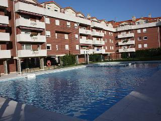 Penthouse with pool. FREE WIFI, Castro Urdiales