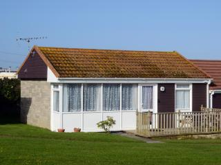 8 Golden Bay Holiday Village Beach Cottage, Westward Ho
