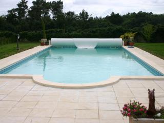 Heated pool 11m x 6m