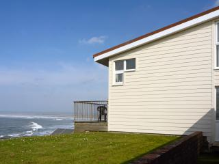 17A Golden Bay Holiday Village Sea Front House, Westward Ho