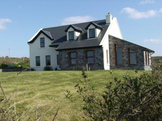 Gentian Cottage,long sunsets with panoremic views of the Wild Atlantic Ocean