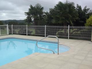 Maison avec4 chambres-piscine privee sans vis avis