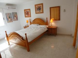 3 Bedroom 2 Bathroom WIFI near beach Mil Palmeras, Pilar de la Horadada