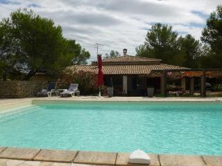 Villa 8 personnes+ piscine, Nîmes