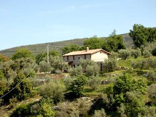 Detached villa with private pool 500 meter from village. Panoramic views., Montecchio