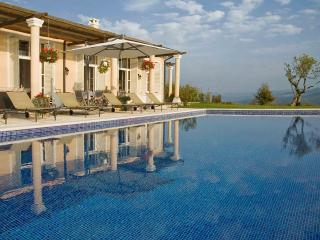 Villa San Giovanni - Luxury Fully Staffed Villa