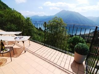 Montagne del Sole 2 bedroom Apartment, Argegno