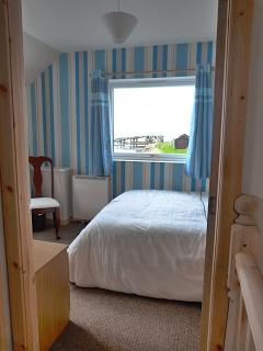 to get a first glimpse of that wonderful view of the harbour area from the main bedroom
