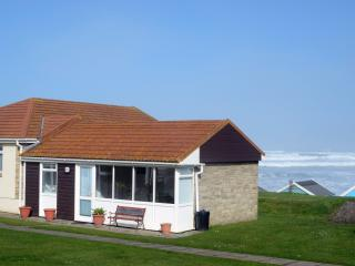 15 Golden Bay Holiday Village - Beach Cottage, Westward Ho