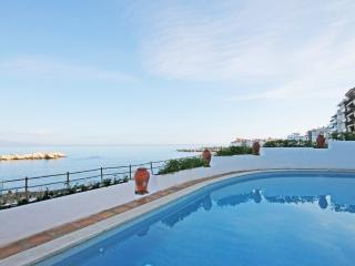 Frontline apartment by the beach in La Escala