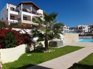 Andriana Penthouse with Stunning views FREE WIFI, Peyia