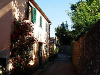 CASA NICO, Lucca