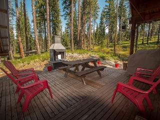 "Take some ""Thyme Out"" hot tub, Wi-Fi, DirecTV sleeps 6, Leavenworth"