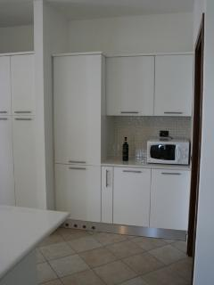 Built in refriderator, washer and dryer