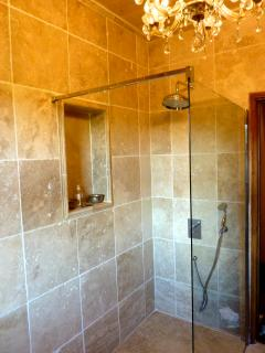 Great bathrooms, great water pressure, lots of hot water.