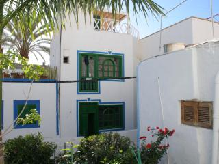 The Captains House with roof terrace - a classic village house