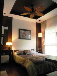 Guest bedroom  with ensuite bathroom - Chambre invités avec salle de bain attenante