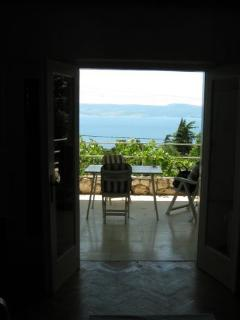 View of the terrace and the nearby island from the living room...wish you were here right now ?