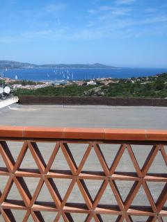 Apt Theta from terrace