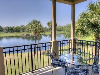 Fall in to Nice Turnberry near the Sandestin Village with golf cart included!