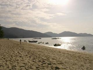Modern Cozy Condo fully sea view Batu Ferringhi