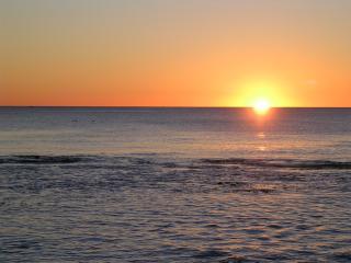 SUNSETS AT SEAQUINS - OCEAN VIEWS - SLEEPS 10
