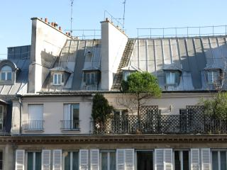 Au bonheur des Dames!, Asnieres-sur-Seine