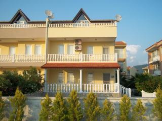 Yaslik Villa