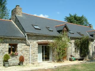 Oak Cottage - ask about late discounts, Plouguernevel