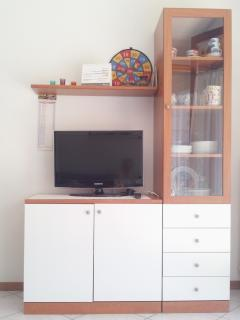 MOBILETTO PORTA TV IN CUCINA