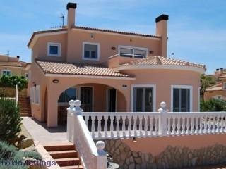 Casa de 200 m2 de 3 dormitorios en Gata De Gorgos, Gata de Gorgos